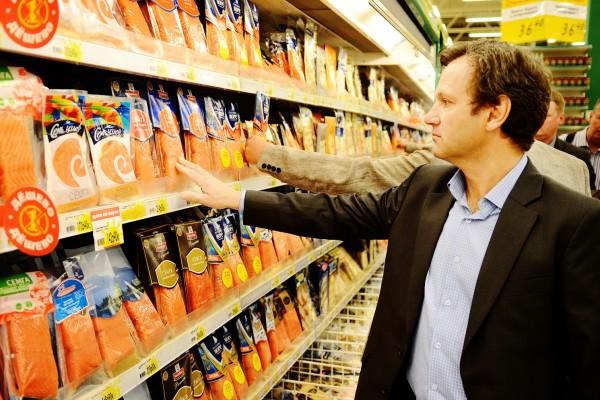 Продовольственное эмбарго, витрины магазинов
