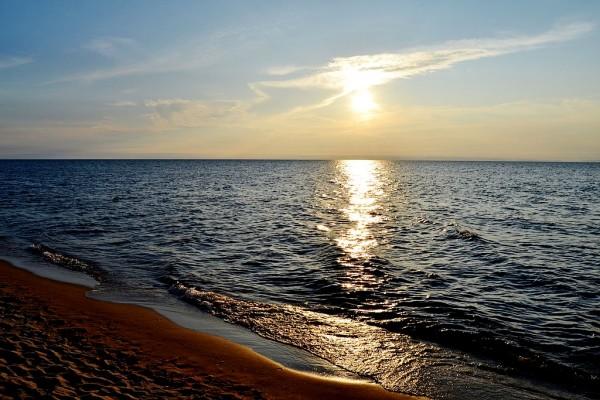 Озеро Байкал, закат в Энхалуке