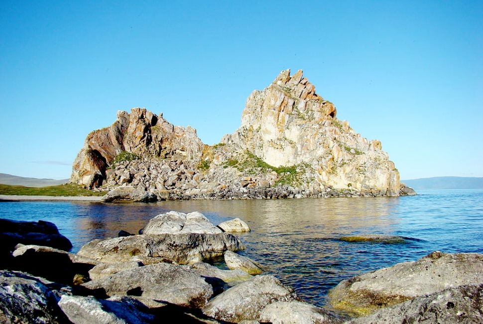 Озеро Байкал, скала Шаманка